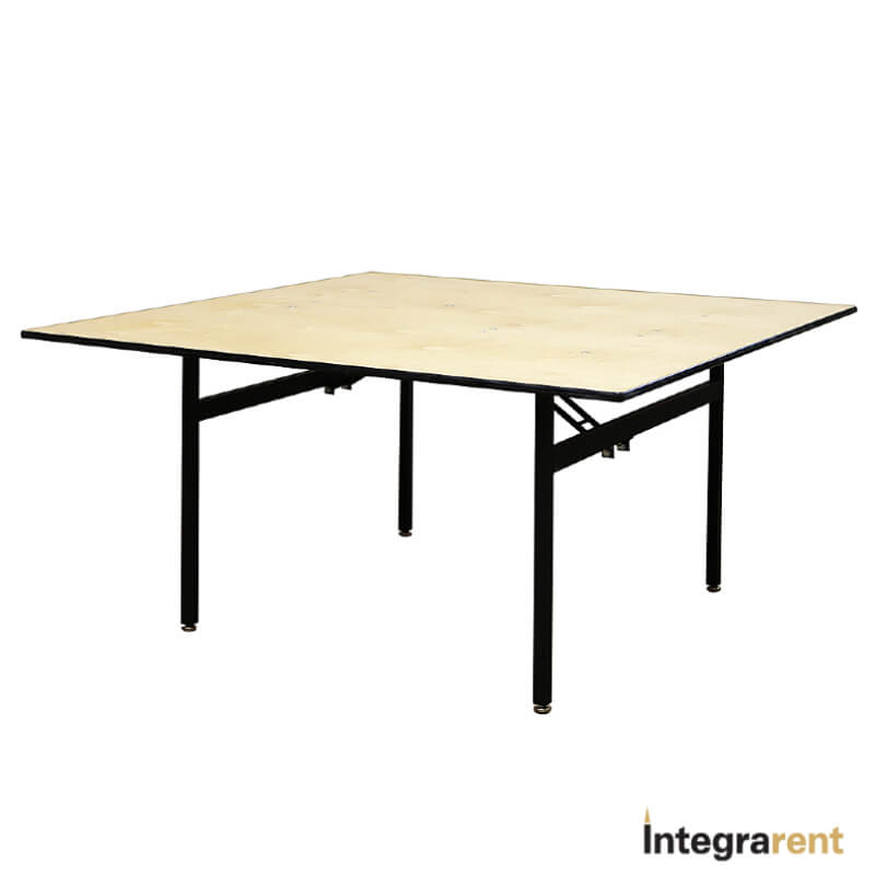 Noleggio Tavolo Quadrato Legno cm.150x150